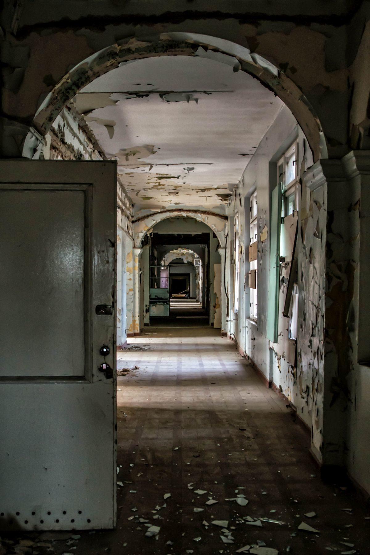 Opuszczony Szpital Powiatowy - niekończące się korytarze