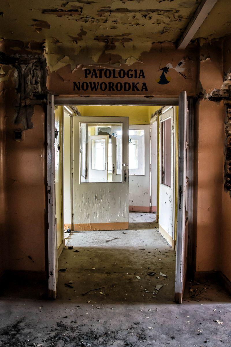 Opuszczony Szpital Powiatowy - Patologia Noworodka