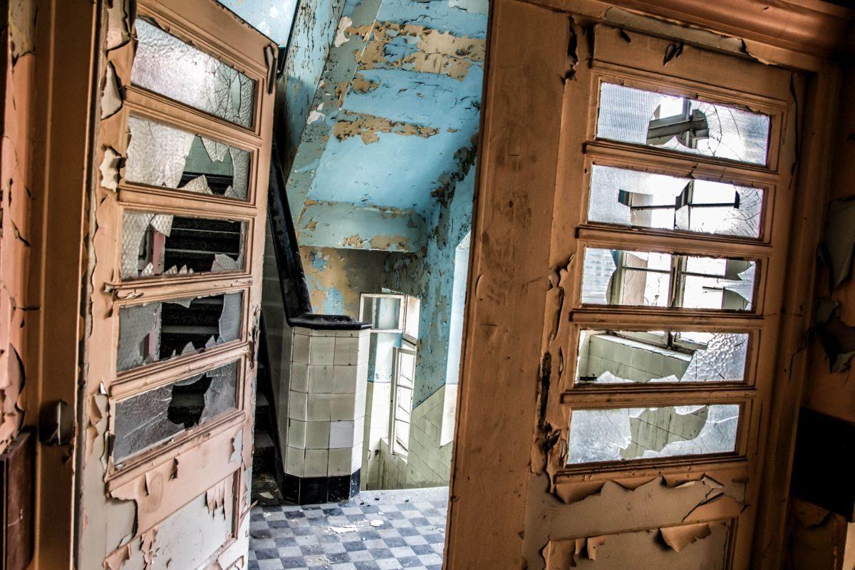 Opuszczony Szpital Powiatowy - Wyjscie z Oddzialu